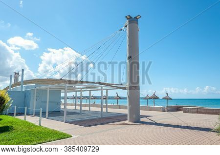 Palma Beach, Balearic Islands/spain; September 2020: Cafeteria In The Promenade Of The Beach Of Palm