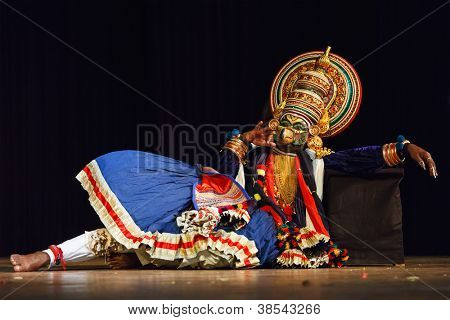 CHENNAI, INDIA - SEPTEMBER 9: Indian traditional dance drama Kathakali preformance on September 9, 2009 in Chennai, India. Performer plays giant bird Jatayu character of Ramayana