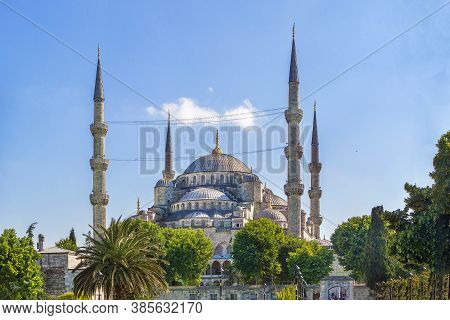Sultan Ahmed Mosque Known As The Blue Mosque Is An Historic Mosque In Istanbul, Turkey. View From Su