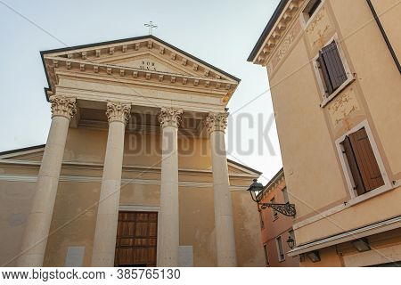 Patronale Church In Bardolino City Center