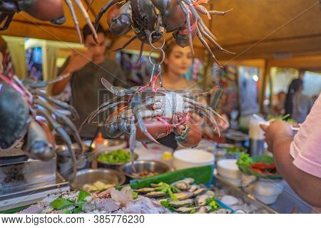 Krabi/thailand-22 July 2017:close Up Hanging Crab In Street Food Stall In Krabi City Walking Street.