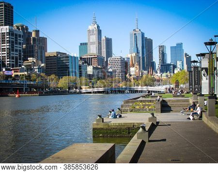 Melbourne, Au - 25 Sept 2018: Melbourne, The Capital City Of Victoria, With Yarra River In View. The