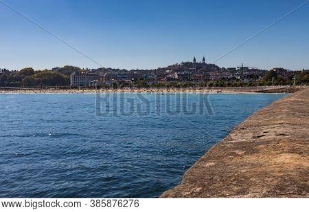 San Sebastian Ondarreta Beach, La Concha Bay.cantabrian Sea, Basque Country, Spain, Euskadi