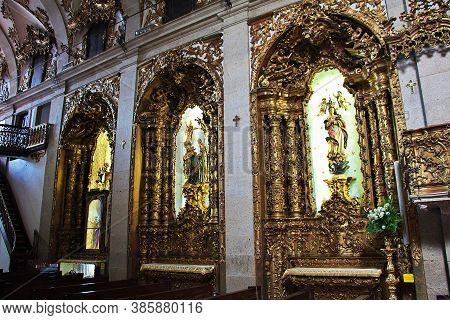 Porto / Portugal - 12 May 2015: Igreja Do Carmo, The Vintage Church In Porto City, Portugal