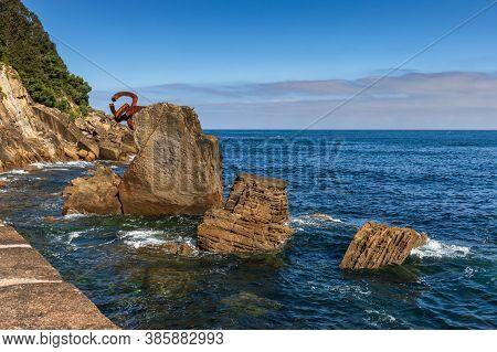 San Sebastian Ondarreta Beach, La Concha Bay.cantabrian Sea, Basque Country, Spain, Euskadi, Sculptu