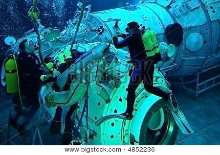 US Astronaut Michael Barratt In The Hydrolab Pool