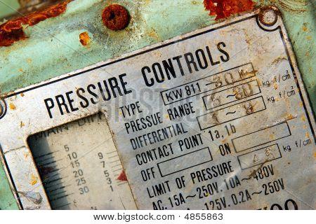 Pressure Gauge Control Panel