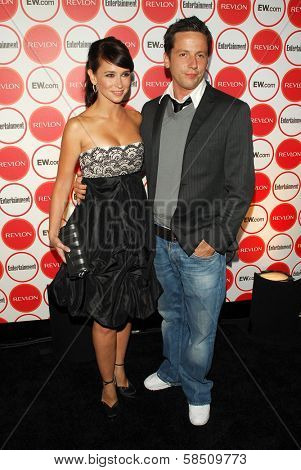 LOS ANGELES - AUGUST 26: Jennifer Love Hewitt and Ross McCall at the Entertainment Weekly Magazine's 4th Annual Pre-Emmy Party in Republic on August 26, 2006 in Los Angeles, CA.