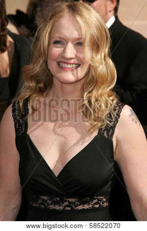 LOS ANGELES - AUGUST 19: Paula Malcomson at the 58th Annual Creative Arts Emmy Awards on August 19, 2006 at Shrine Auditorium in Los Angeles, CA.