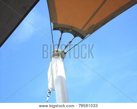 Tensile Exterior Roof Structure Detail