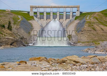 Oldman Hydro Electric Dam