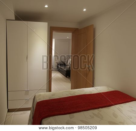 Small Bedroom And Closet