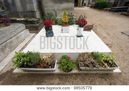 Grave Of Gilbert Becaud