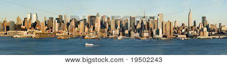 Hugh Detailed Panorama of Midtown Manhattan and Hudson River