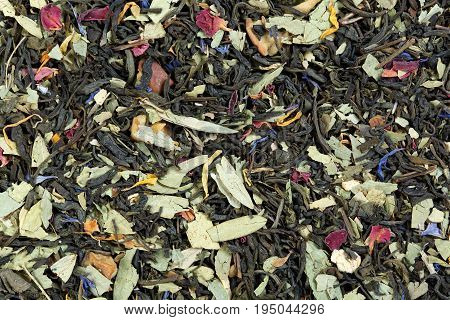 Tea on the basis of green Chinese Sencha tea, senna leaves, rose petals, cornflower and calendula.