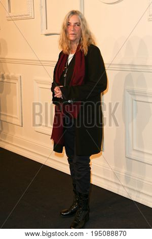 NEW YORK-MAR 31: Singer Patti Smith attends the CHANEL Paris-Salzburg 2014/15 Metiers d'Art Show and Party at the Park Avenue Armory on March 31, 2015 in New York City.
