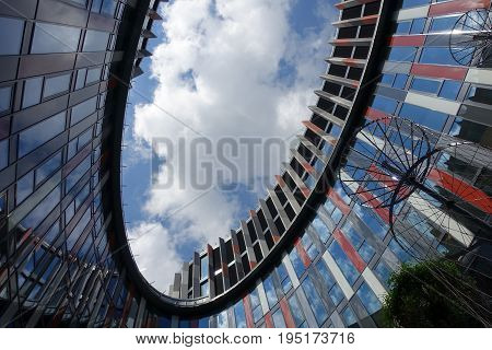 Atrium Kooperativa Prague, architecture, colors, blue sky
