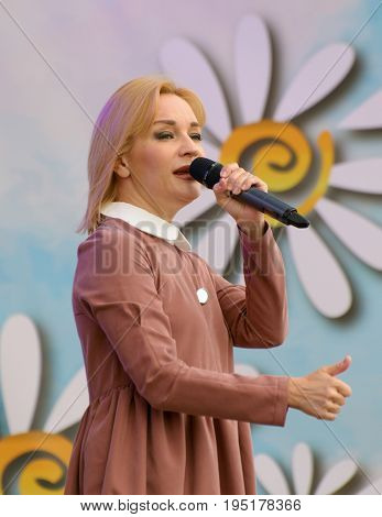 08.07.2017.Russia.Saint-Petersburg.Tatiana Bulanova - Soviet and Russian pop singer and actress.Performs songs for his audience.