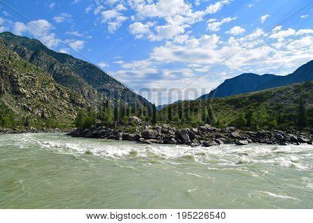 Ilgumen (Ilgumensky) rapids on Katun river in Altai mountains. Altay Republic Siberia Russia.