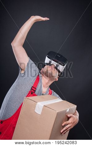 Mover Guy Wearing Vr Glasses Holding Something Above