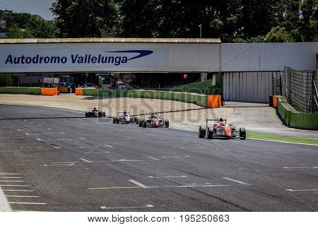 Vallelunga, Rome, Italy. June 24 2017. Italian Formula 4 Abarth Championship, Cars On Start Finish S