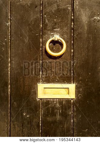 Old Letterbox In The Door, Traditional Way Of Delivering Letters To The House, Old Mailbox