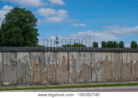 Remains Of The Berlin Wall / Berlin Wall Memorial