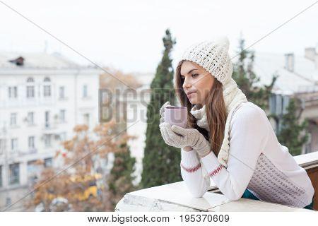 girl on the street cold drinks coffee tea