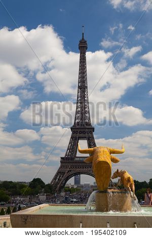 Paris France - June 17 2017: Sculpture of the bull and the deer by Paul Jouve front of the Palais de Chaillot. The work was made for the Universal Exhibition of 1937 in the gardens of the Trocadero.