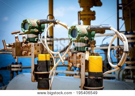 Pressure transmitter and pressure differential transmitter for measurement and monitor data of oil and gas process offshore