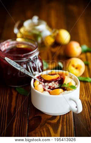 Oatmeal With Jam And Fresh Apricots