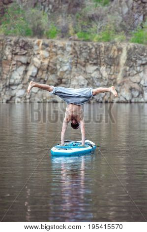 Sup Bearded Man Yoga Meditation 16
