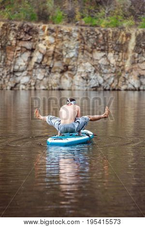 Sup Bearded Man Yoga Meditation 17