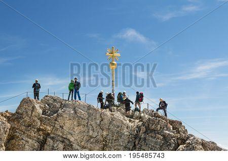 Zugspitze Summit, Editorial