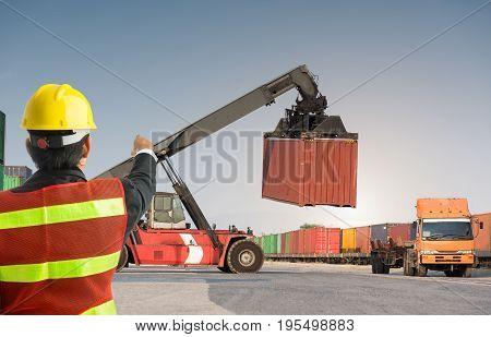Foreman Control Forklift Uploading Truck