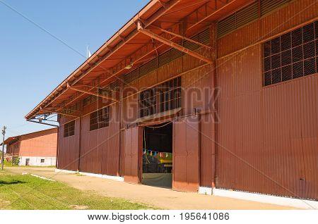 Big Red Hangar On Estrada De Ferro Madeira-mamore
