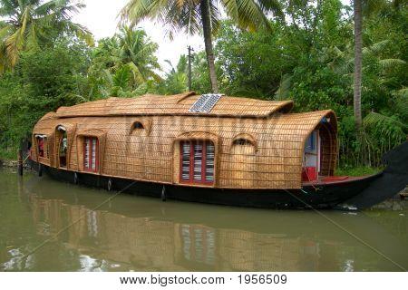 Shouseboat