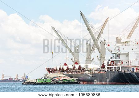 Logistics and Transportation of General Cargo ship in the ocean