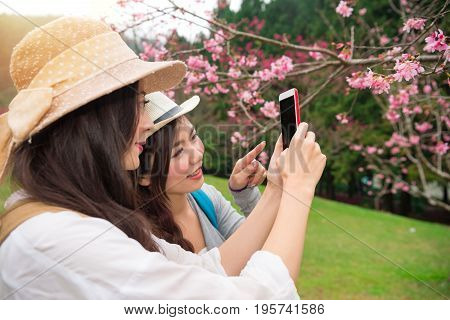 Travel Asian Girls Using Smartphone App
