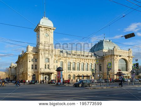 SAINT PETERSBURG RUSSIA - MAY 3 2017: Unknown people walk along Zagorodny Prospect near building of Vitebsk Railway Station St. Petersburg Russia