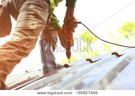 Technician is Climb for Work Roof Repair for live
