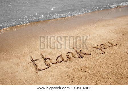 Danke, dass Sie handschriftlich im Sand am Strand