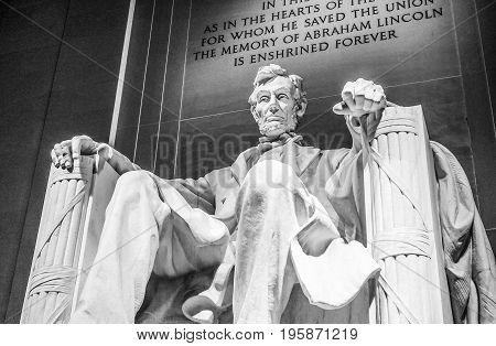 Abraham Lincoln Statue in Washington DC - The Lincoln Memorial