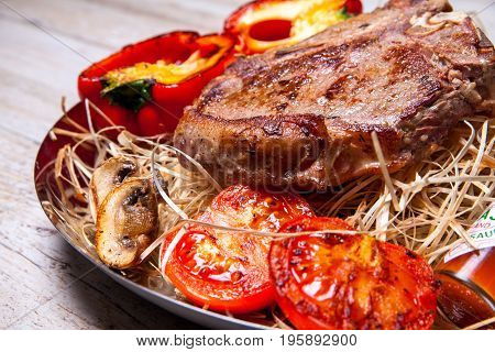 dish, isolated, meal, basil, lemon, barbecue, pepper, delicacy, beef, slice, nobody, plate, delicious, green, white, chop, red, prepared, leaf, course, grill, barbecued, main, gourmet, salad, pork, rosemary, vegetable, dinner, eat, tomato, tasty, grilled,
