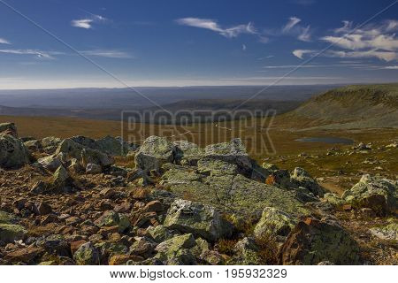 Panoramic views of the mountains and the wide Städjän Swedish landscape.