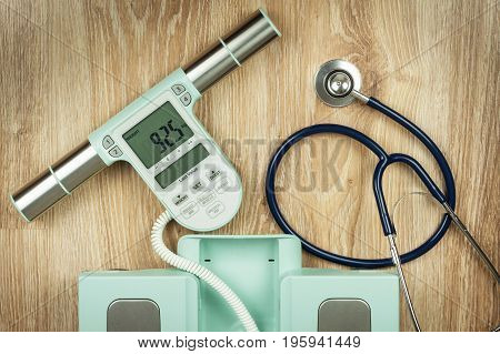 Measuring the fat content of the body. Intelligent medical weight. The concept of obesity