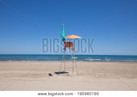 Lifeguard Chair In Lonely Pine Beach