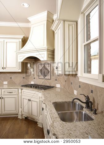 Luxury Kitchen Cooktop With Hood And Sink