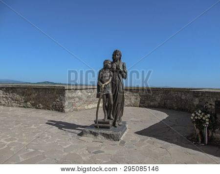 Mukachevo, Ukraine - May 3, 2018: Monument To Ilona Zrinyi And Ferenc Rakoczy (sculptor Peter Matl)