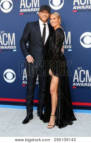 LAS VEGAS - APR 7:  Cole Swindell, Barbie Blank at the 54th Academy of Country Music Awards at the MGM Grand Garden Arena on April 7, 2019 in Las Vegas, NV